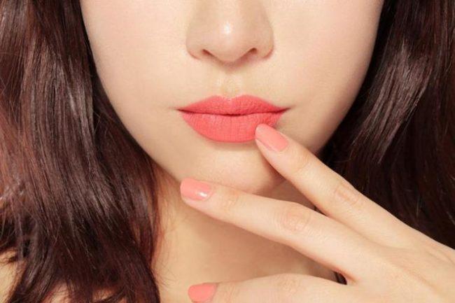 10 cách giúp môi xinh mỗi ngày